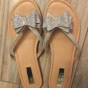 Bow sparkle flip flops
